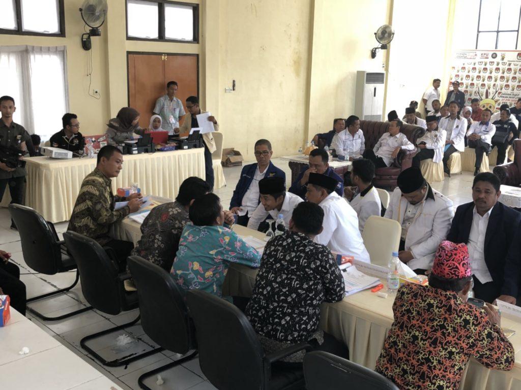 AGM - Hamdam mendaftar di KPU Penajam
