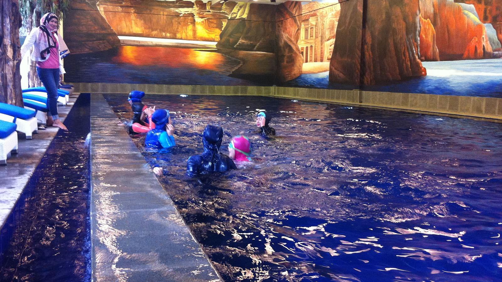 kolam renang hijaber