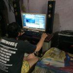 mikhael meier produser musik dari kamar kos